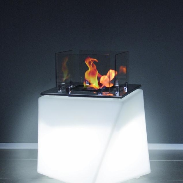 17-15-sculpturally-exciting-bio-ethanol-fireplace-designs.jpg